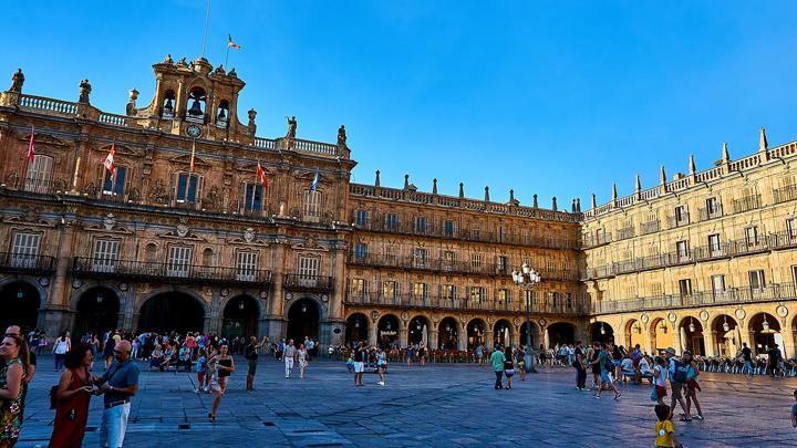 plazas