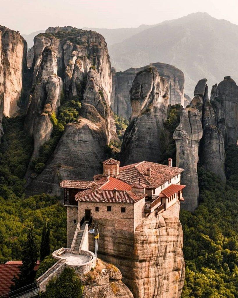 monasterios origen